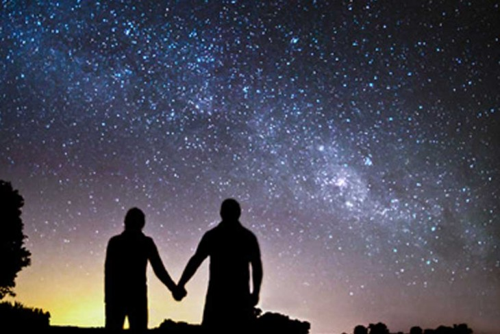 stargazing - cheap valentines day ideas - go commando app - the brief